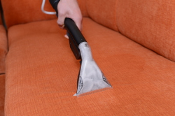 Upholstery Washing With a Tool